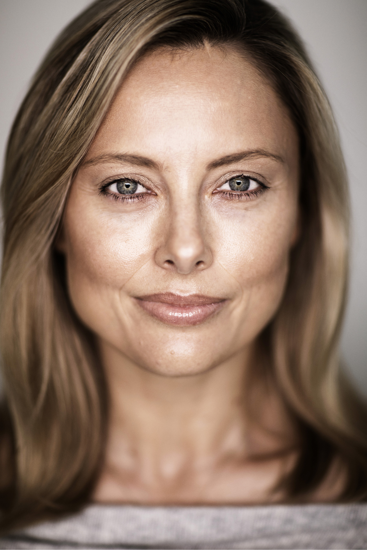 Sydney portrait photographer, personal branding, Eye2Eye, actor, headshots, corporate photography, corporate headshots, portraits, head shots, Allison Langdon, TV presenter, journalist