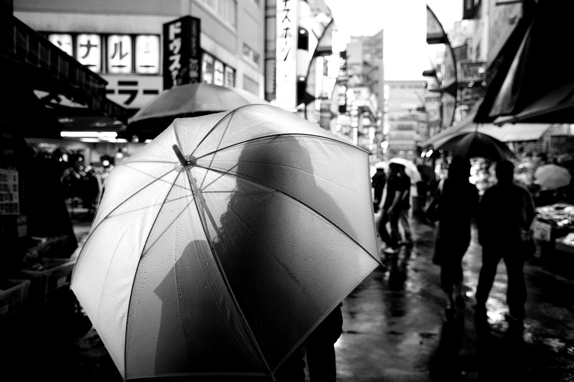 Sydney travel photographer, country, adventure, photo tour, travel photography, destinations, award winning, tips, lessons, Japan, Tokyo, Ueno, umbrella