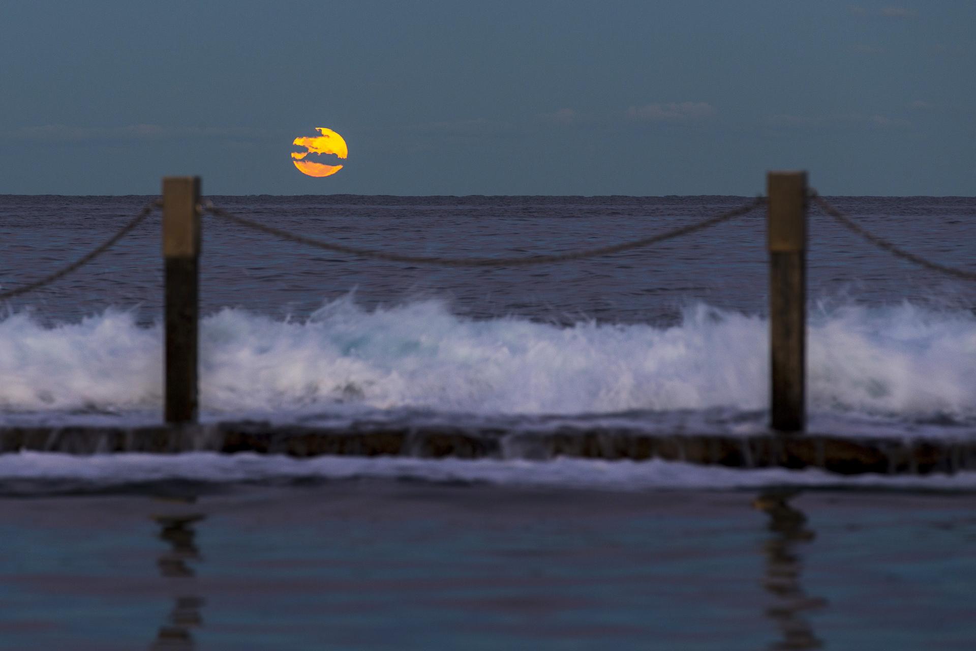Sydney landscape photographer, sunrise, sunset, ocean, ocean pool, landscape, award winning, travel, NSW, Australia, sea, fine art prints, While you were sleeping, Mahon, Maroubra, moon